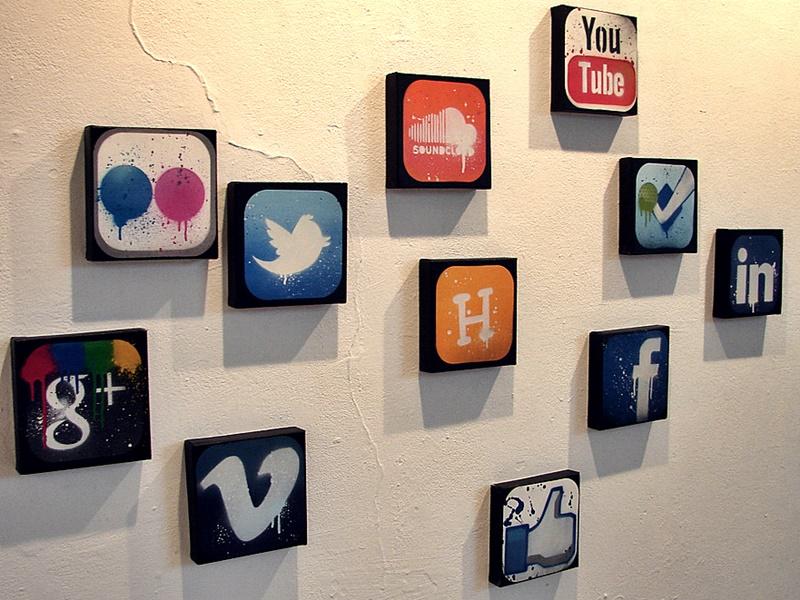 Pheme, social media, lie detector,