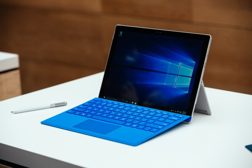 Microsoft Surface Pro 5 and MacBook Pro 2016 May be Released in the Same Month - What to Expect?