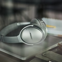 Bose Finally Made Wireless Noise-Cancelling Headphones