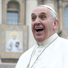 """Pope Francis advises Christians to """"disconnect from cell phones"""" during Lent"""