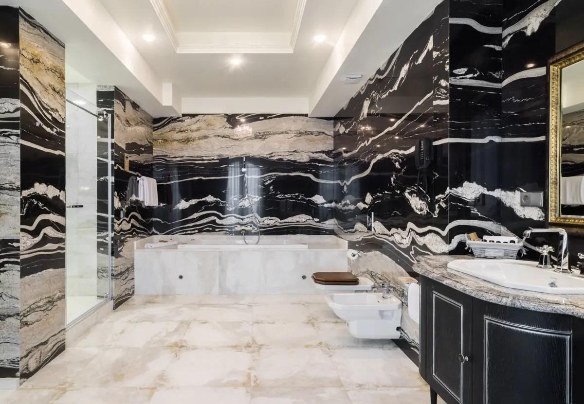 Trilogy effetto marmo per bagni eleganti panaria ceramica