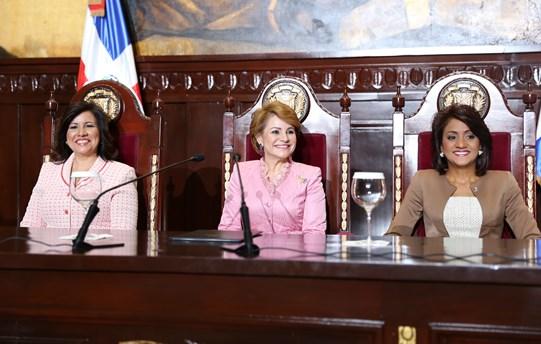 Margarita Cedeño de Fernández, Lucía Medina y Cándida Montilla de Medina