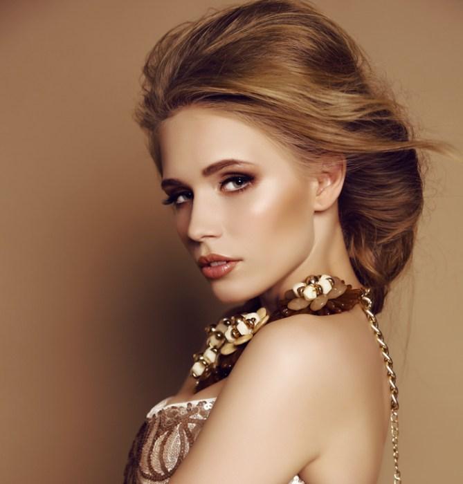 Strobe-Highlights-Makeup