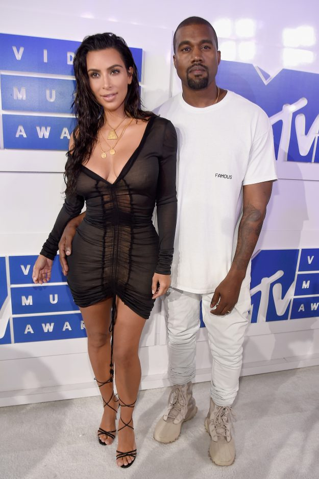 kim kardashian_vmas_social magazine_kanye