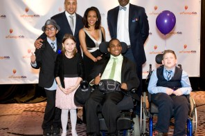 31st-annual-gala-with-new-york-knicks-legends-john-starks-larry-johnson-michele-hall-duncan-encourage-kids