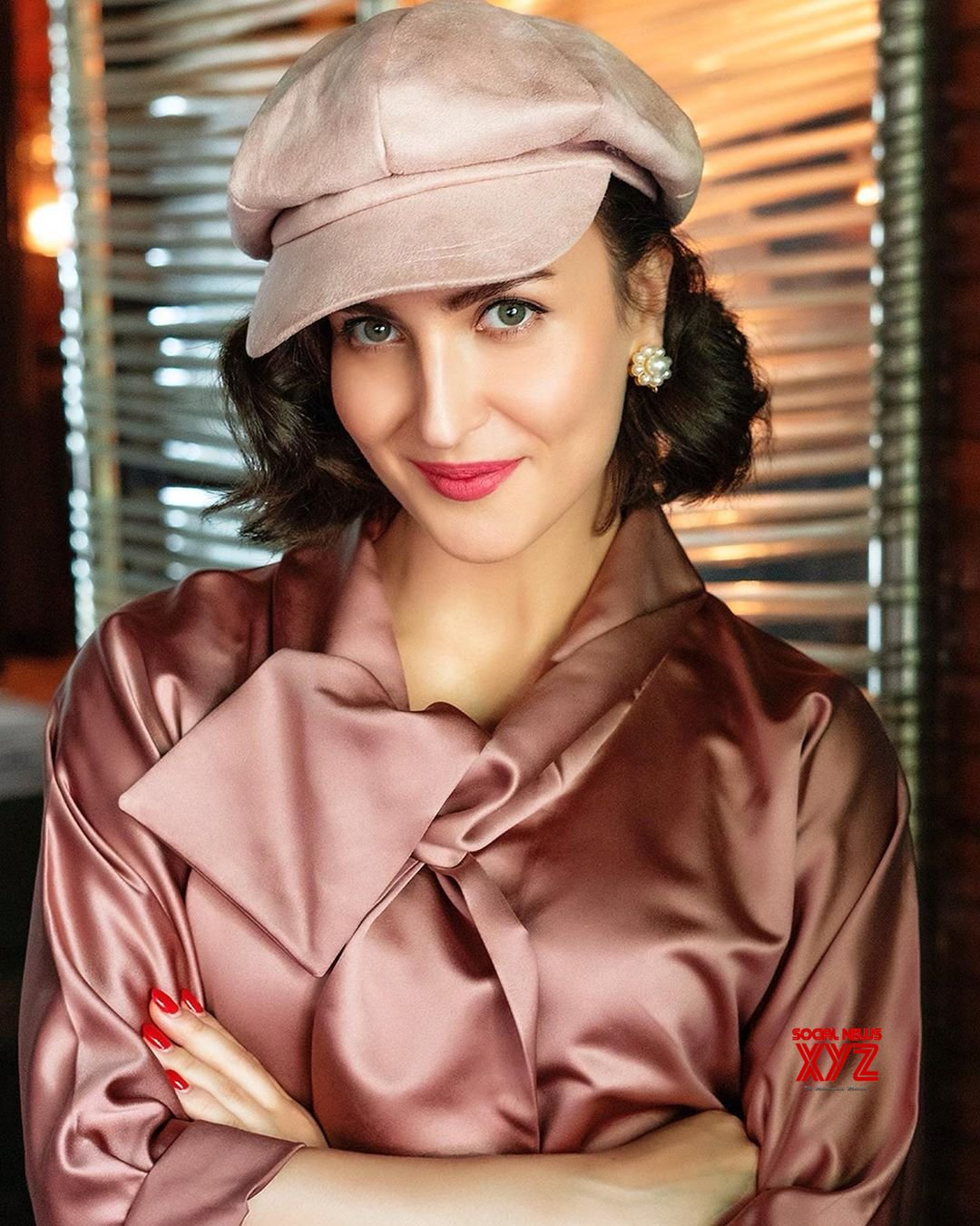 Vintage Look Actress Elli Avrram Stunning Vintage Look Stills - Social News Xyz