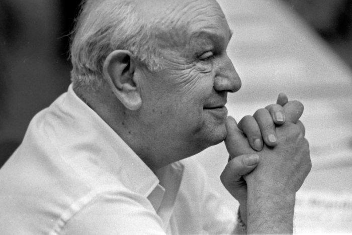 Socialist leader Francesco De Martino