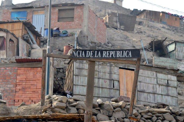 06/2012 Perù. Lima, lo sconfinato sobborgo di Monterrey.  La scuola e la ludoteca sono sostenute  da Terre des hmmes, l'organizzazione impegnata nella difesa dei diritti dei bambini e nella promozione di uno sviluppo senza discriminazioni *** Local Caption ***