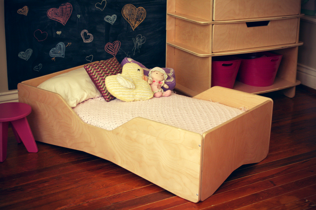 White Toddler Bed Aero Toddler Bed - Sodura