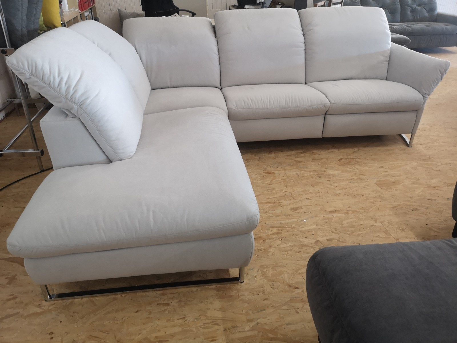 Das Fußbodenstudio Bad Oldesloe Samt Sofa Hell