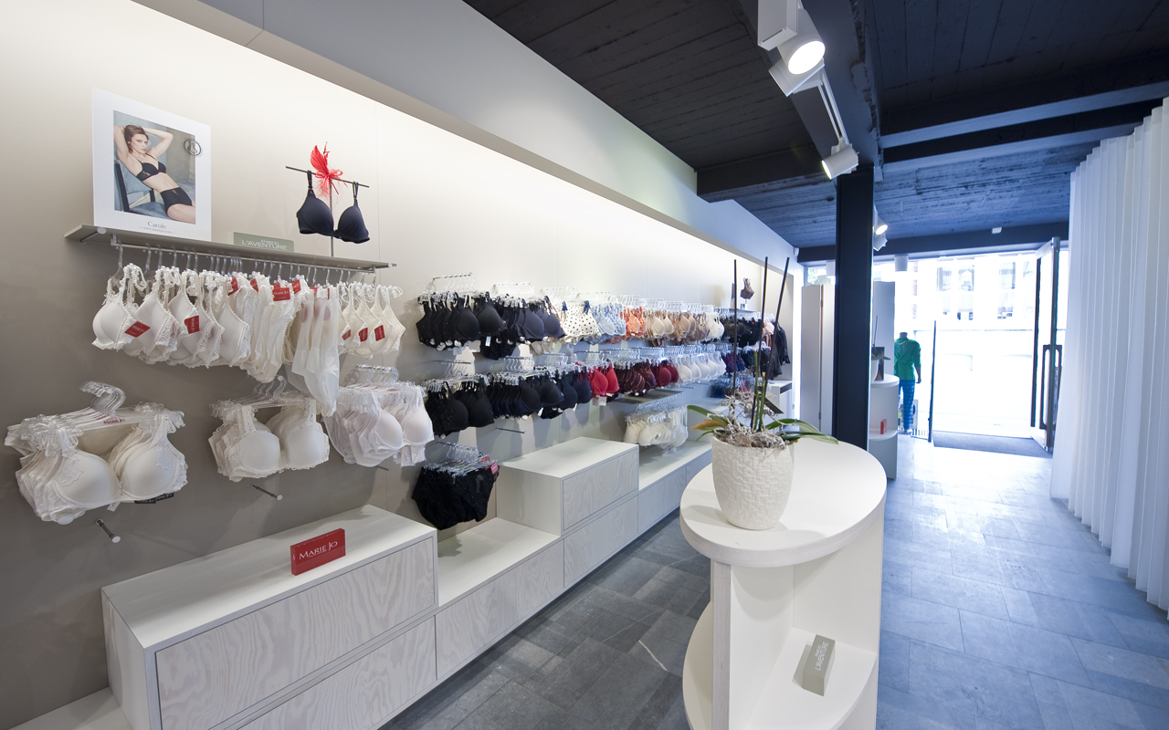 Amenagement Lingerie Agencement Magasin De Lingerie Boutique Turnhout Belgique