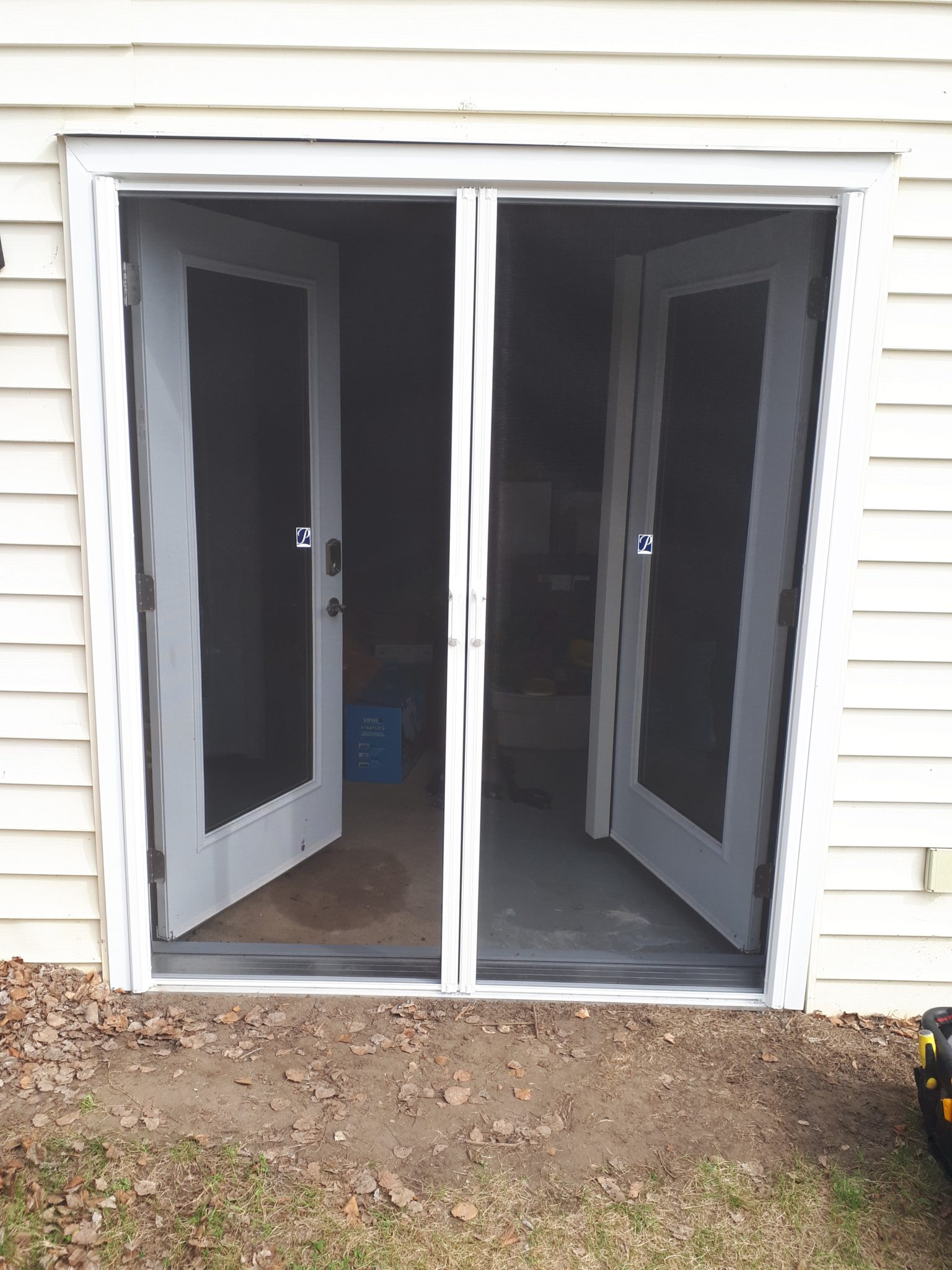 Storm Doors Edmonton Phantom Retractable Door Screens In Edmonton Alberta Solaris Canada