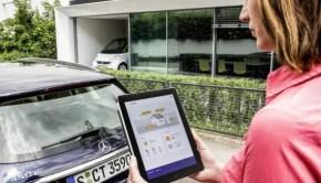 Aus dem Auto ans Netz: Mercedes-Benz Energiespeicher eignen sich auch für die private Nutzung zur verlustfreien Zwischenspeicherung von überschüssigem Strom.