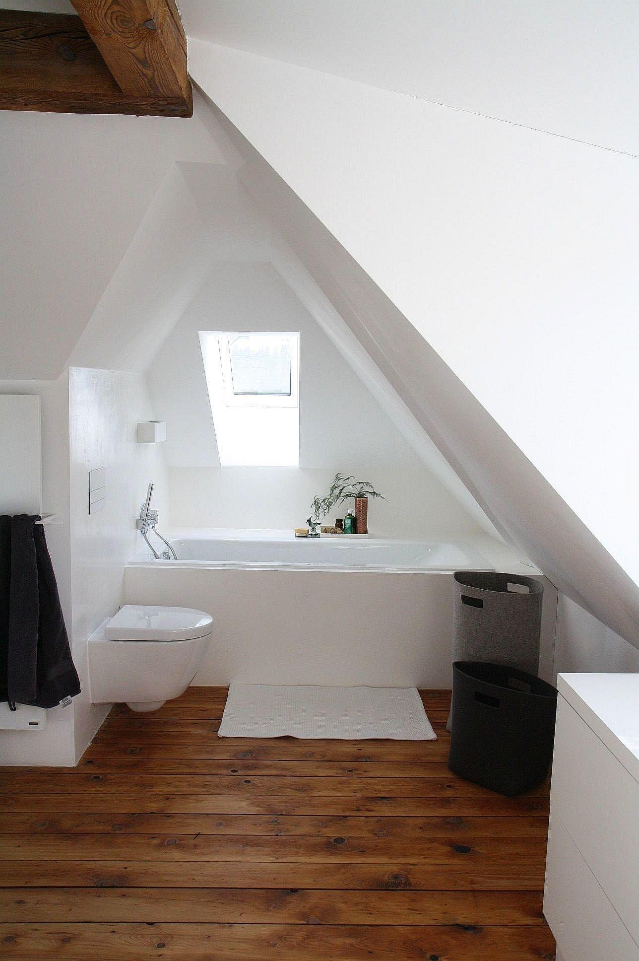 Küche Dachgeschoss Schräge   Küchenzeile Dachschräge Kleine Küche ...