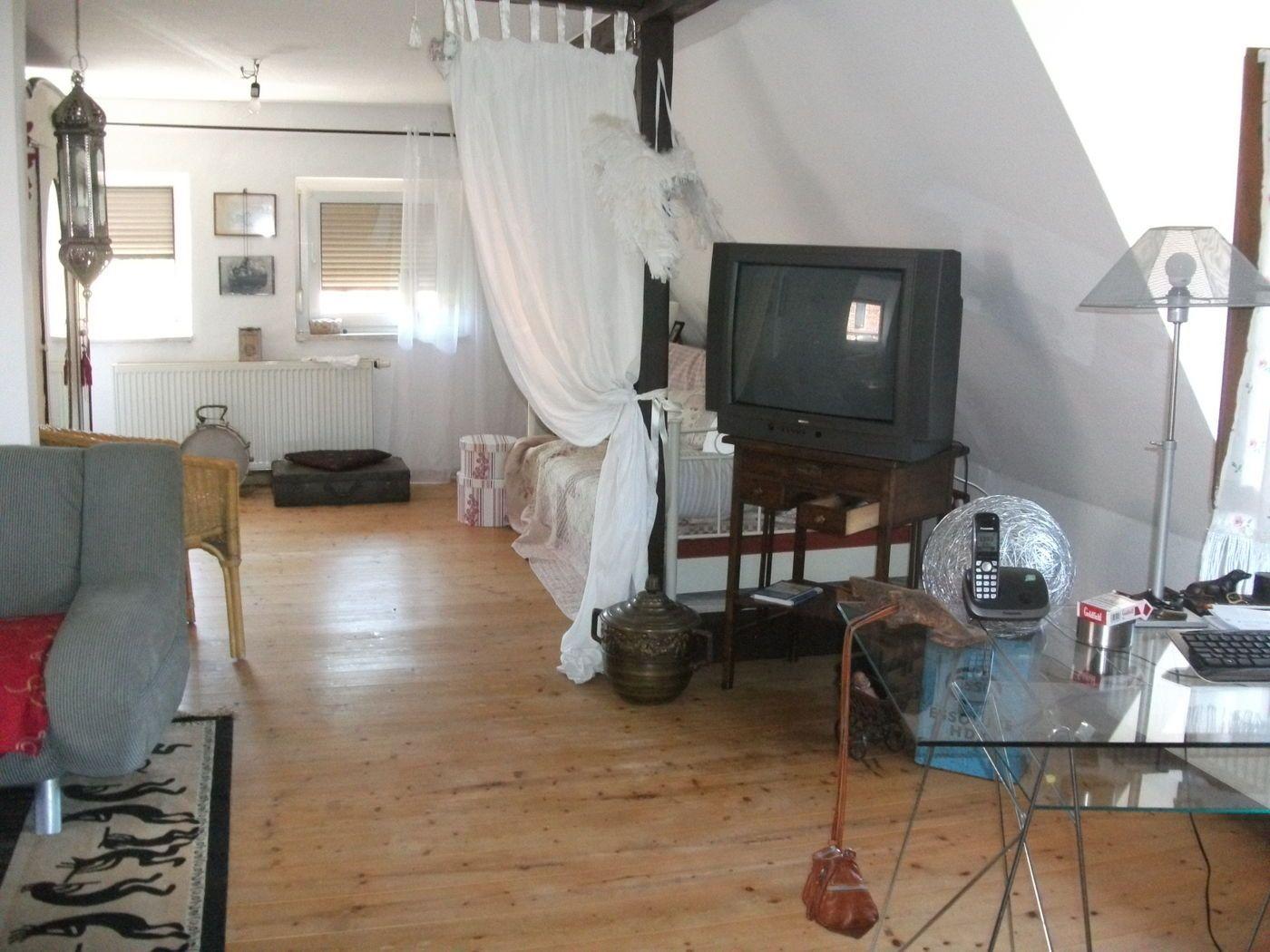 Wohnzimmer Mit Schlafzimmer Kombinieren