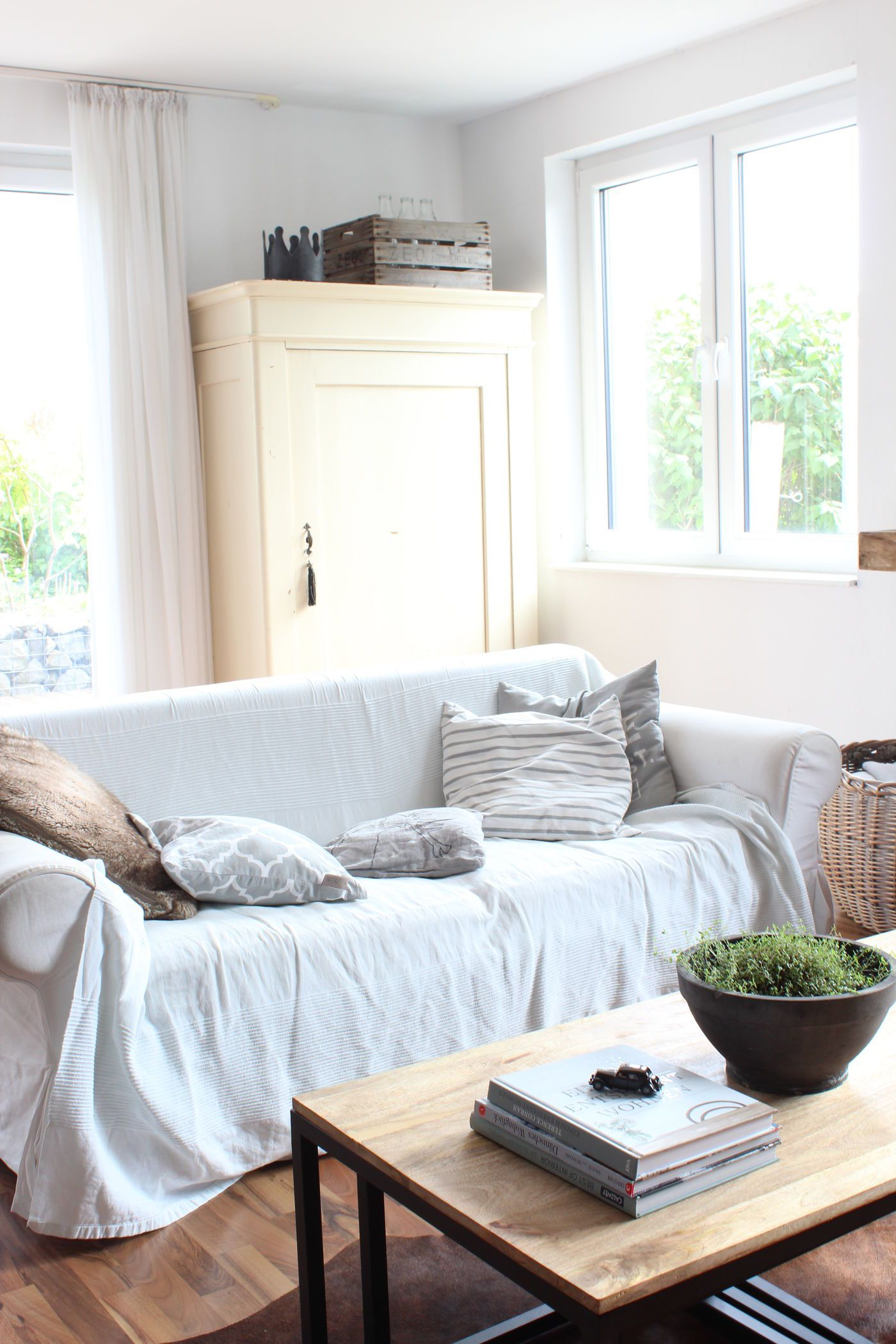 Ikea Sofa Riecht Romantische Schlafsofas Feng Shui Farben Im