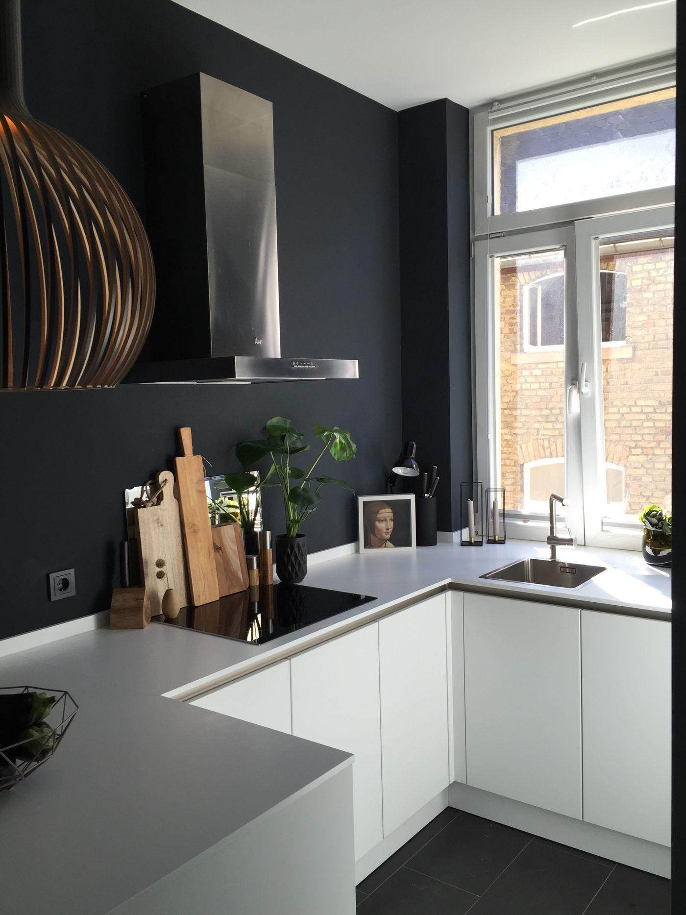 Schwarz Weiße Küche Welche Wandfarbe | Einmalig Weiße Küche Dunkle ...