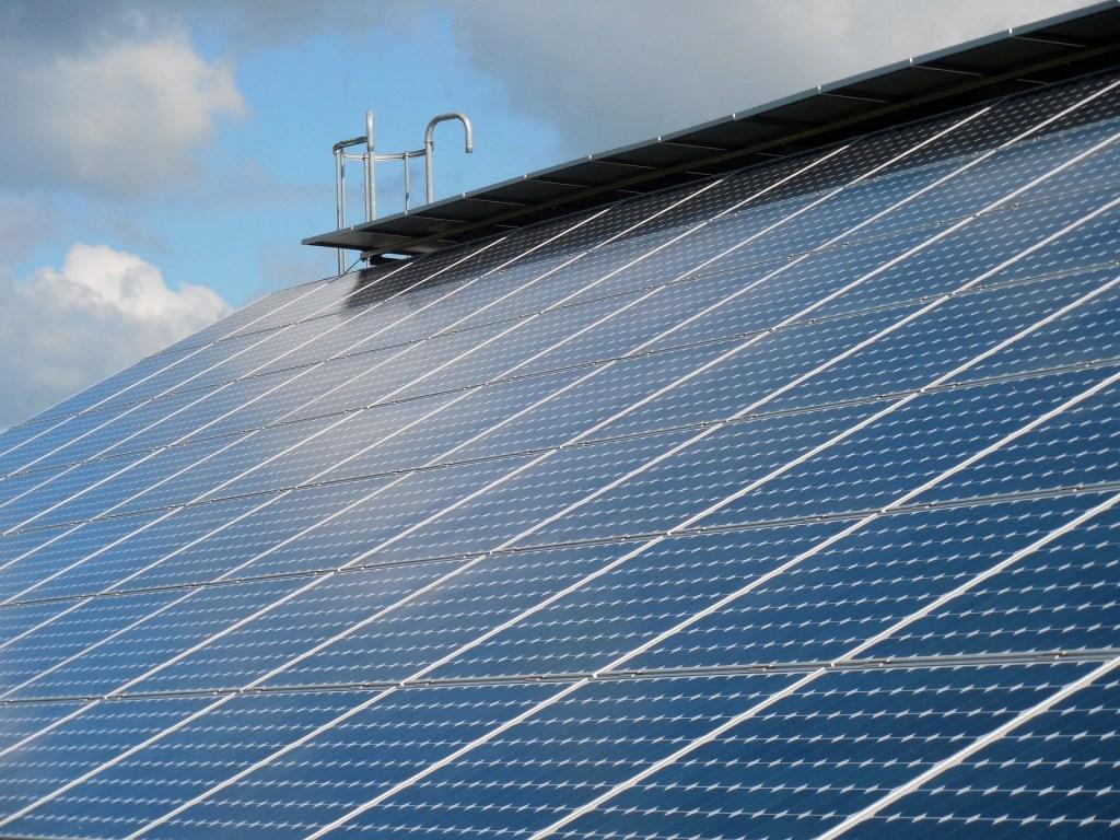 solar-cells-824691_1920