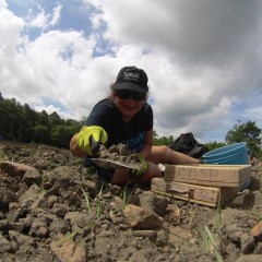 Video: Solo Travel Girl Visits Crater of Diamonds State Park in Arkansas