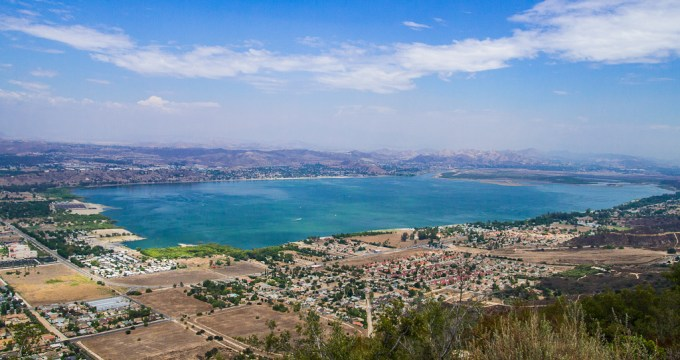 Lake-Elsinore-algae-bloom