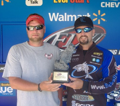 Hooker, Hutchins Tie for Win at Walmart Bass Fishing League