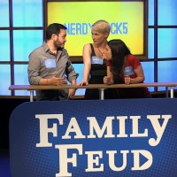 SomeGadgetGuy Plays Family Feud on Buzzr!