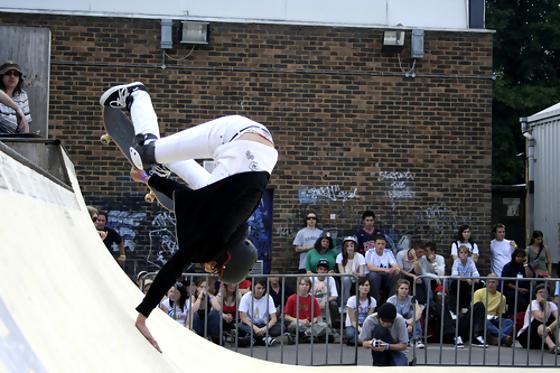 skateboard-woman