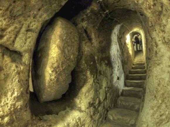 Caverna entrada de Derinkuyu