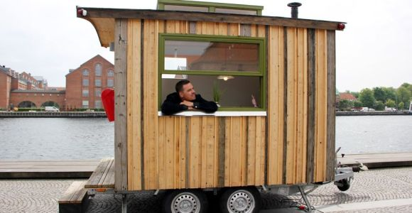 Ele criou um mini escritório móvel e agora pode trabalhar de qualquer lugar