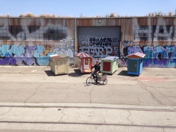 Casas de sucata para moradores de rua 2