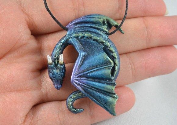 Colar e pulseira de dragão 9
