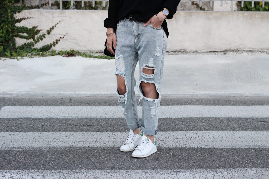 details-grey-ripped-jeans-shein