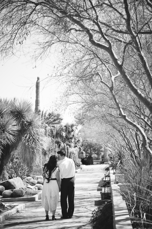 ST_Bit_of_Ivory_Photography_desert_wedding_inspiration_0021.jpg