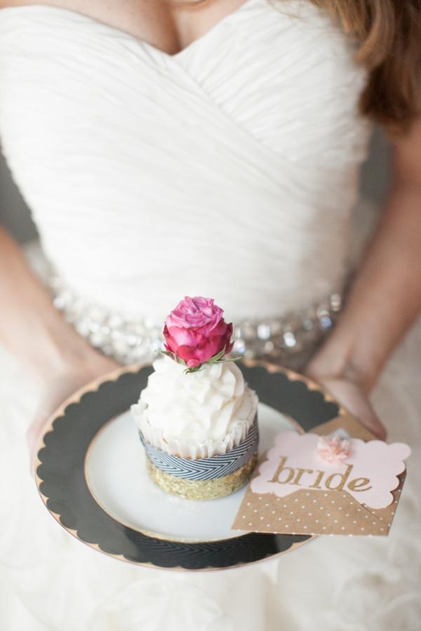ST_Cassandra_Castaneda_Glam_wedding_inspiration_0016.jpg