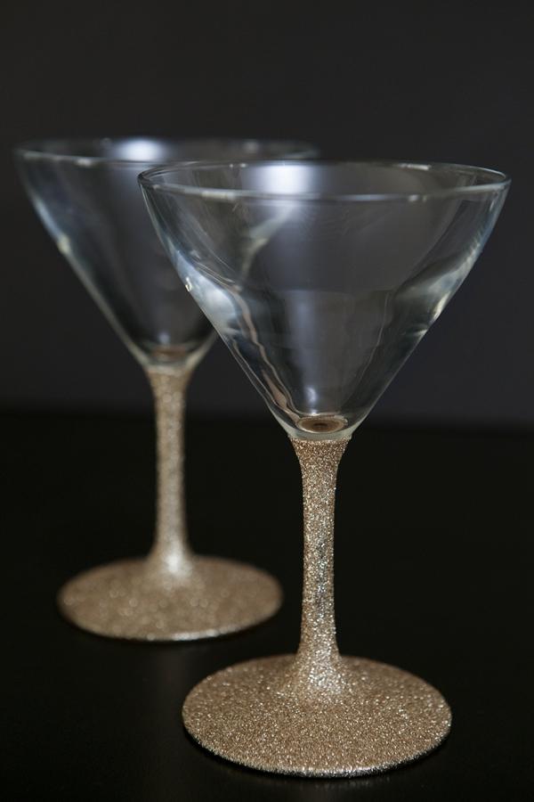 ST_DIY_glittered_wine_champagne_glasses_0012.jpg