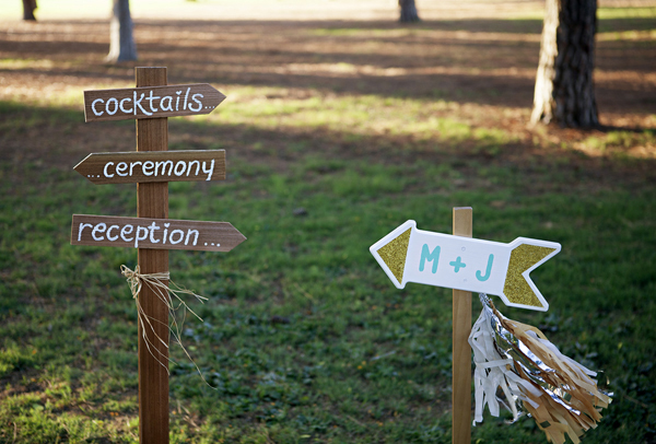 ST_DIY_wedding_directional_signs
