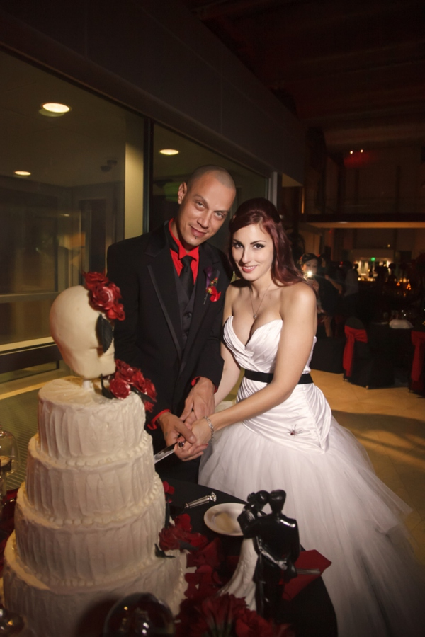 ST_Carrie_Wildes_Photography_halloween_wedding_0042.jpg