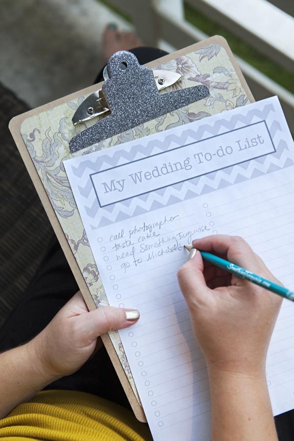 ST_DIY_free-wedding-to-do-list-clipboard_0015.jpg