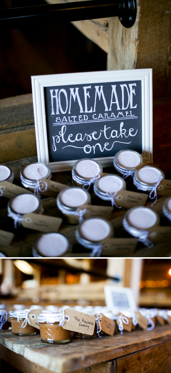 ST_Ampersand_Wedding_Photography_rustic_barn_wedding_0031.jpg