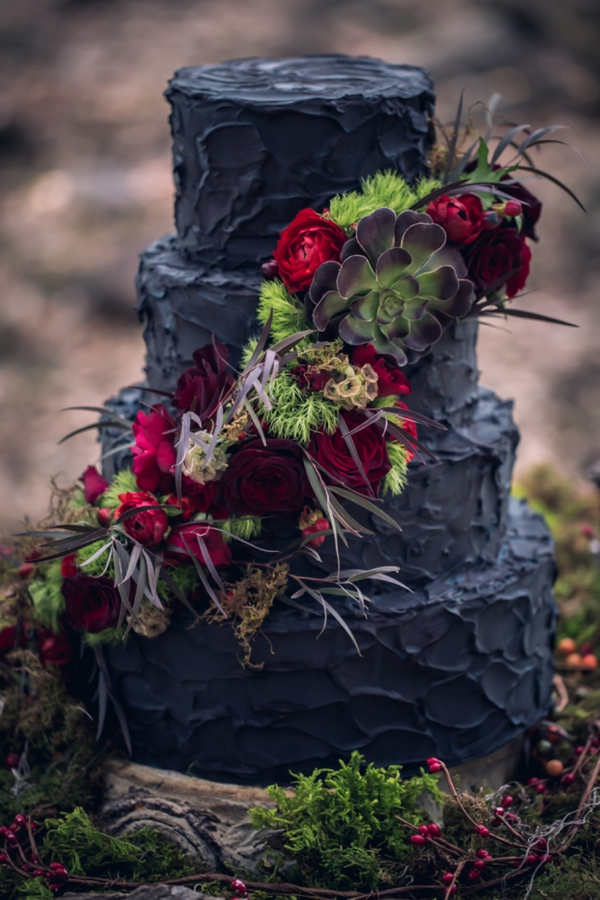 SomethingTurquoise-Red-Riding-Hood-Noir-Nerinna-Studios_0020.jpg