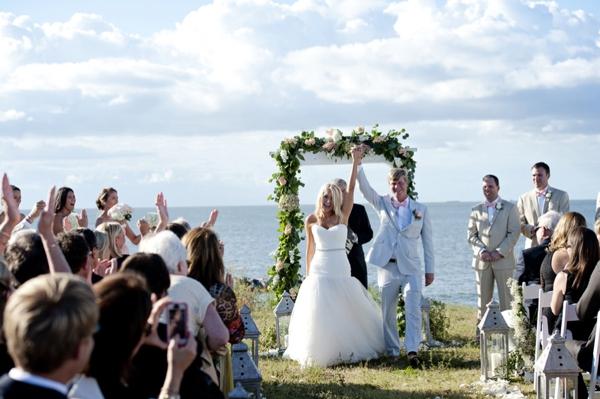 SomethingTurquoise_Jen_Harvey_Photography_beach_wedding_0017.jpg