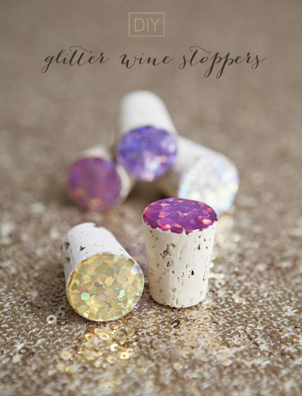 SomethingTurquoise_DIY_glitter_wine_stoppers_favors_gifts_0001.jpg