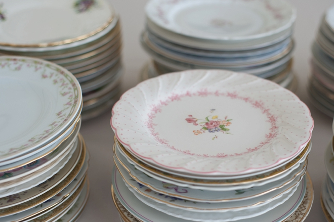 vintage plates for a wedding