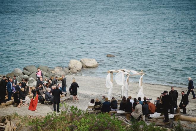 Gorgeous seaside wedding ceremony