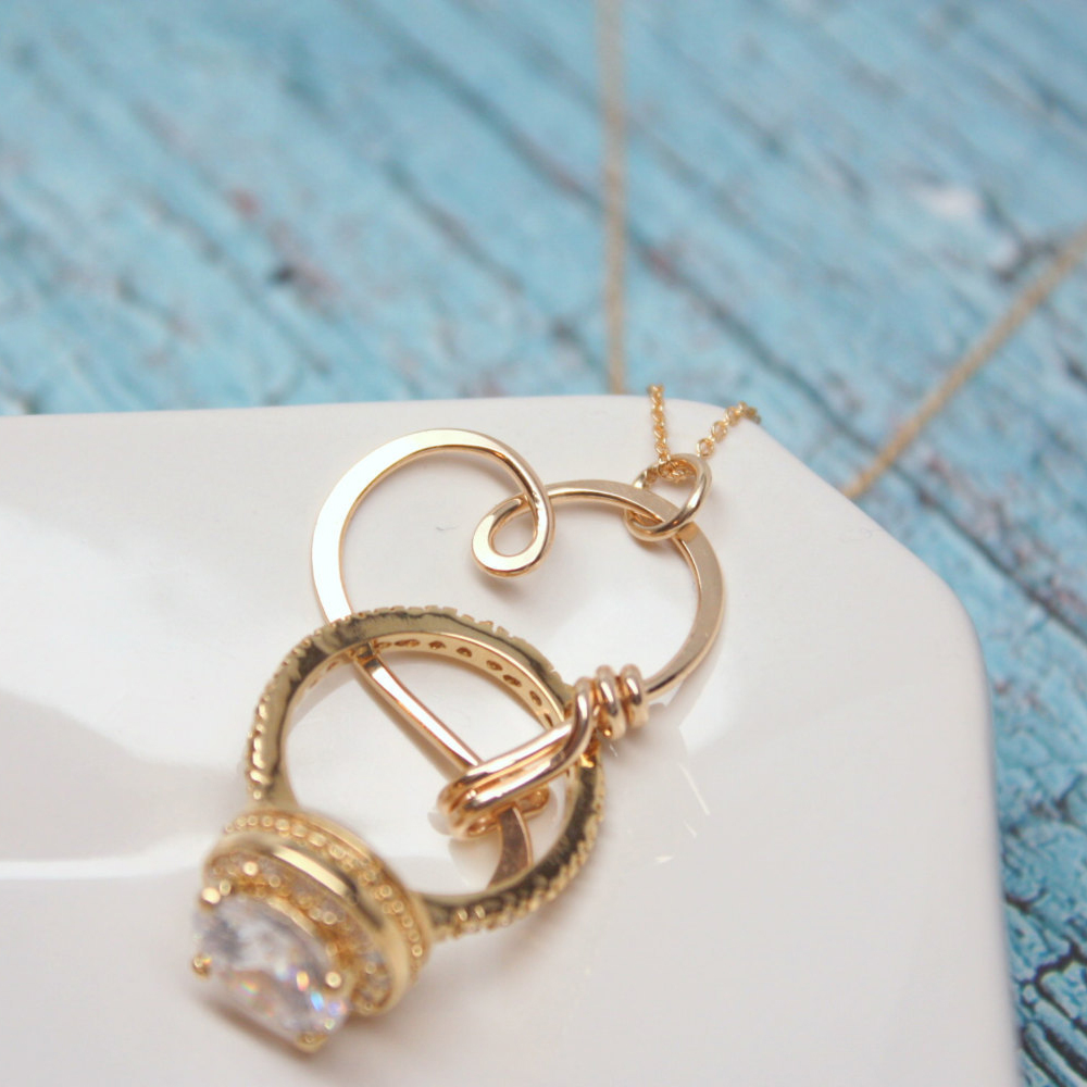 holder wearing wedding ring on necklace rings download - Wedding Ring Necklace Holder