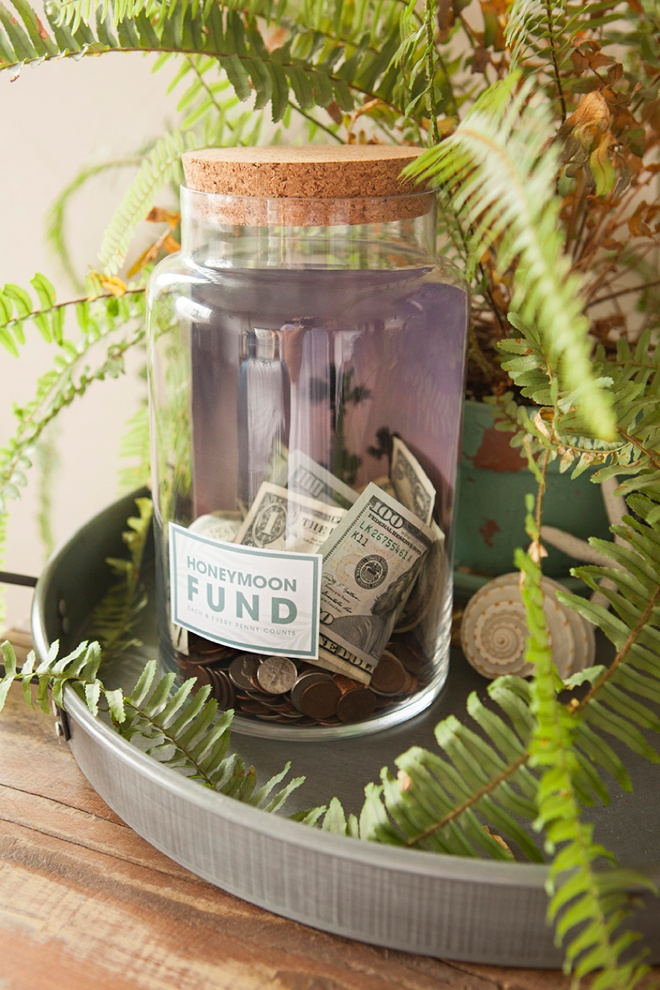 This Honeyfund Photo Jar is easy to make and has free printables!