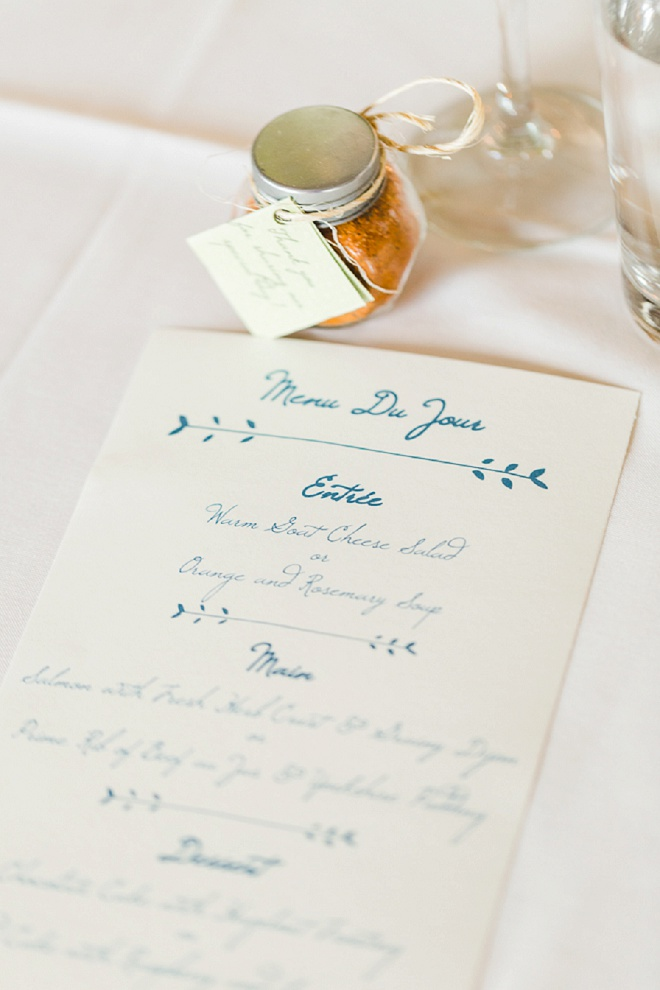 How darling are these DIY menu cards? So pretty!