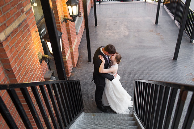 Such a gorgeous photo of this Bride and Groom!