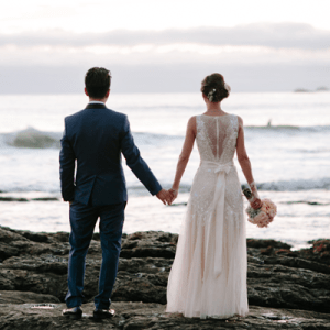 We're crushing on this stunning couple's handmade day!