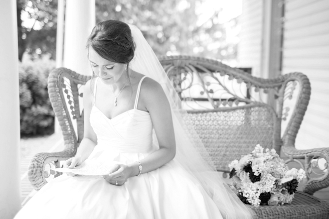 The Bride reading her wedding day note from her Groom before the ceremony!